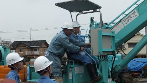 建柱車の操作体験